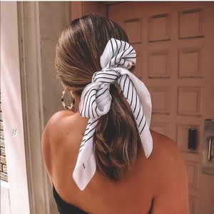 Accessories - White hair scarf, black lines, light pink edge NEW